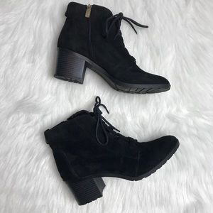 Anne Klein black suede iflex lace up booties 9.5